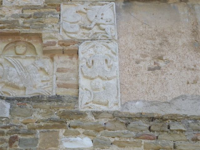 San Vito sul Cesano carvings of mythical creatures